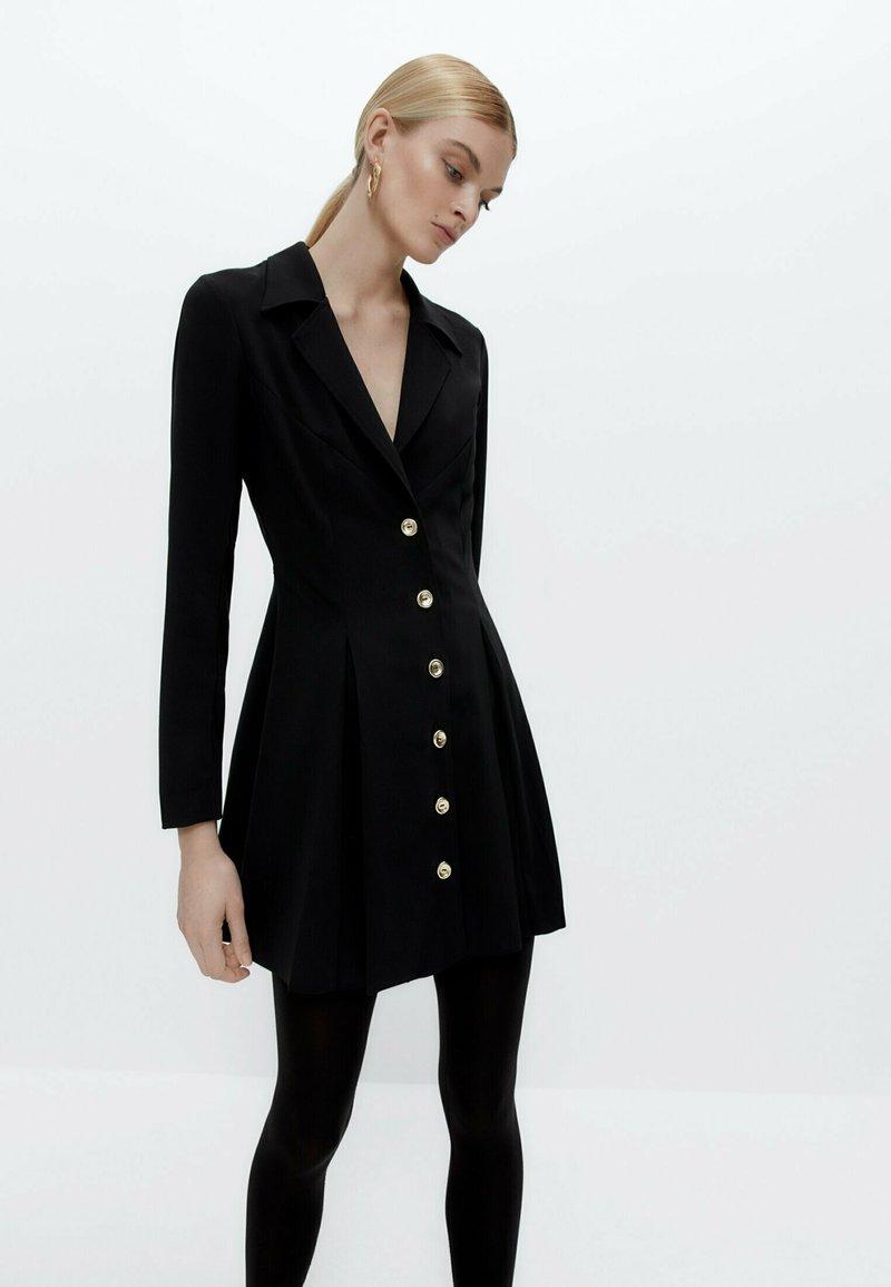 Uterqüe - Shirt dress - black