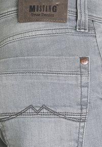 Mustang - WASHINGTON - Slim fit jeans - denim grey - 6