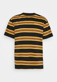 Kickers Classics - STRIPE SLEEVE TEE - T-shirt con stampa - black / brown - 0