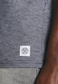 TOM TAILOR - T-shirt med print - dark blue - 6
