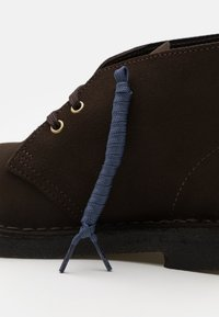 Clarks Originals - DESERT BOOT - Stringate sportive - brown - 5