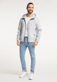 Schmuddelwedda - Waterproof jacket - hellgrau - 1