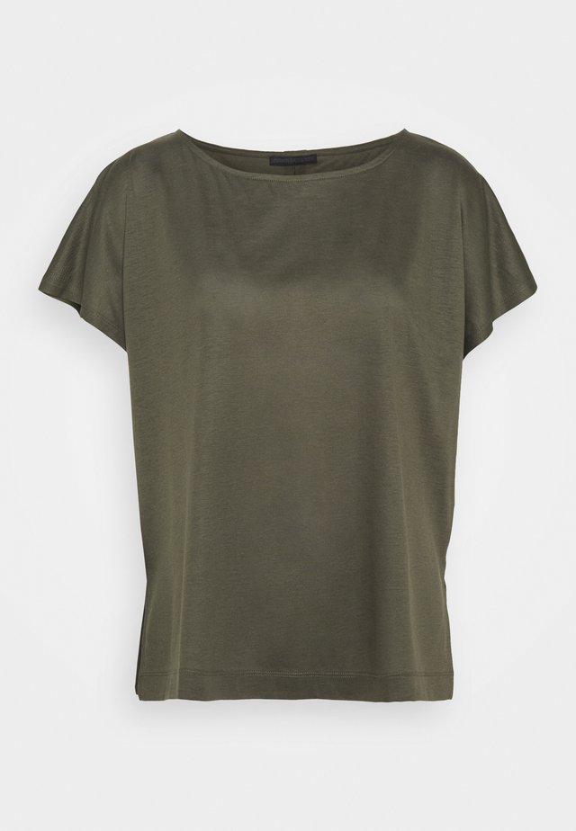 KIMANA - T-shirt basique - grün