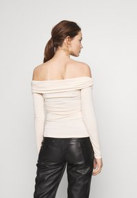 Ivyrevel - CROSS FRONT LONG SLEEVE - Long sleeved top - natural - 2