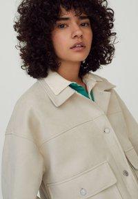 PULL&BEAR - Light jacket - beige - 4