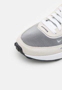 Nike Sportswear - WAFFLE ONE  - Trainers - summit white/white/black/orange - 3
