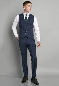 Van Gils - SPLIT BUCK NOOS - Suit trousers - blue - 1