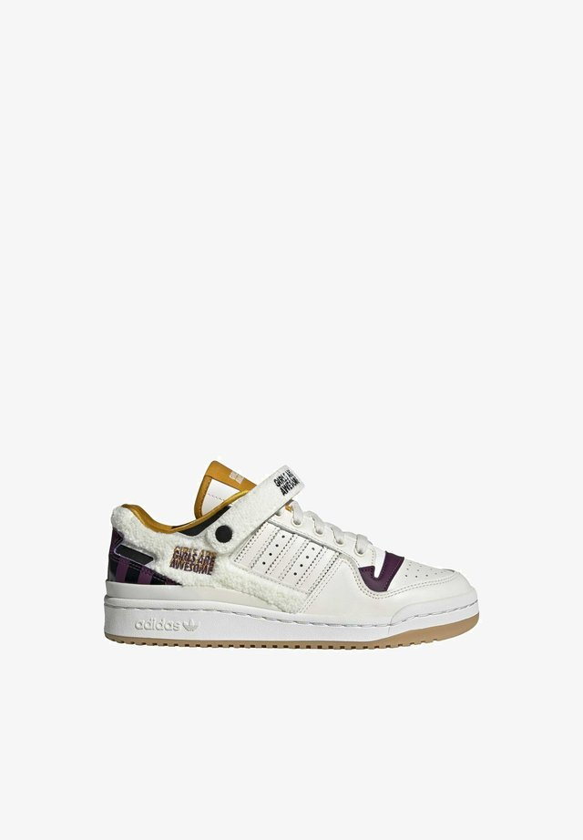 FORUM GIRLS ARE AWESOME ORIGINALS SHOES - Sneakers laag - chalk white/core black/purple beauty