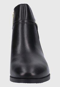 Pikolinos - Boots à talons - black - 3