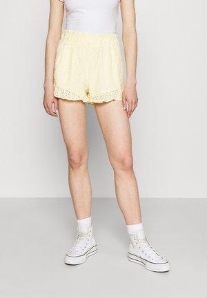 PRETTY RUFFLE HEM - Shorts - yellow eyelet