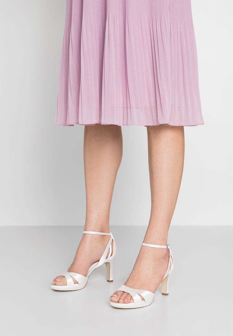 Menbur - High heeled sandals - white