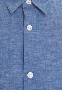 Selected Homme - SLHREGNEW SHIRT - Skjorta - medium blue denim - 7
