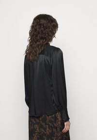 Bruuns Bazaar - BAUME ELIZABETH BLOUSE - Blouse - black - 2