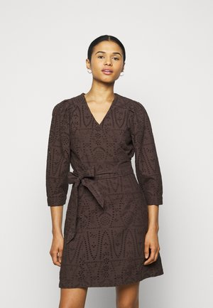 AMOE THINKTWICE - Day dress - forest floor
