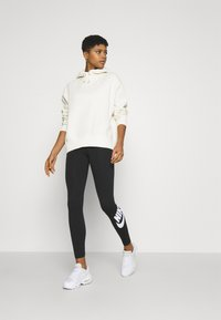 Nike Sportswear - HOODIE TREND - Sweat à capuche - coconut milk - 1