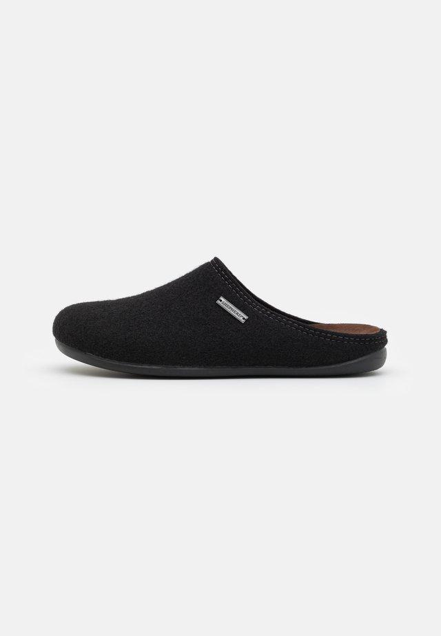 JON - Slippers - black