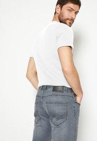 TOM TAILOR - JOSH - Straight leg jeans - grey denim - 6