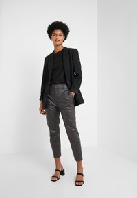 DRYKORN - FIND - Trousers - black - 1