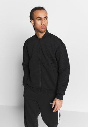 TERREX HIKE  - Sportovní bunda - black