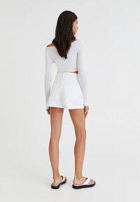 PULL&BEAR - Denim shorts - white - 2