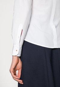 Tommy Hilfiger - REGULAR - Skjorte - white - 4
