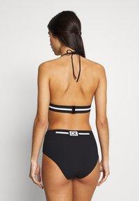 Calvin Klein Swimwear - CORE RESET TRIANGLE - Horní díl bikin - black - 2