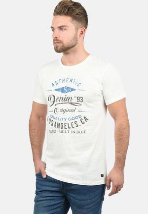 RUNDHALSSHIRT DOPPLER - Print T-shirt - offwhite