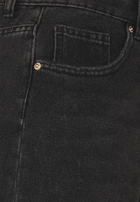 ONLY Tall - ONLPHINE LIFE - Shorts di jeans - black denim - 2