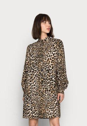DAY DRESS - Shirt dress - leopard