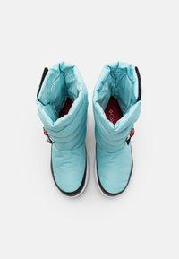 Columbia - PANINAROOMNI HEATPULL ON - Zimní obuv - aquatint/poppy red - 3