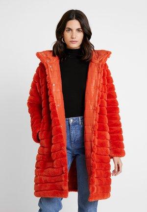 LIDA - Płaszcz zimowy - orange