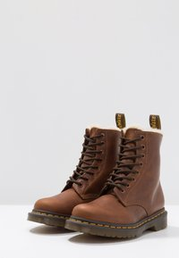 Dr. Martens - 1460 SERENA - Lace-up ankle boots - butterscotch orleans - 4
