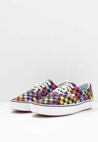 Vans - COMFYCUSH ERA - Skate shoes - black - 2