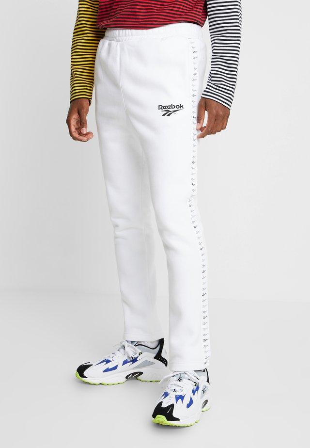 VECTOR JOGGING PANTS - Tracksuit bottoms - white