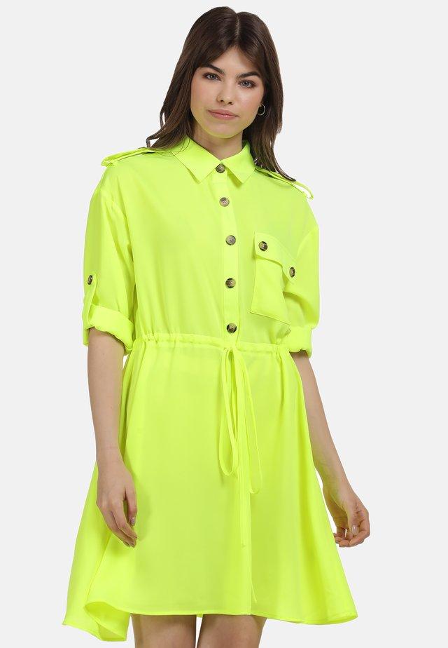KLEID - Shirt dress - neon gelb