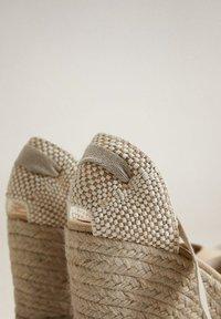Mango - High heels - ecru - 6