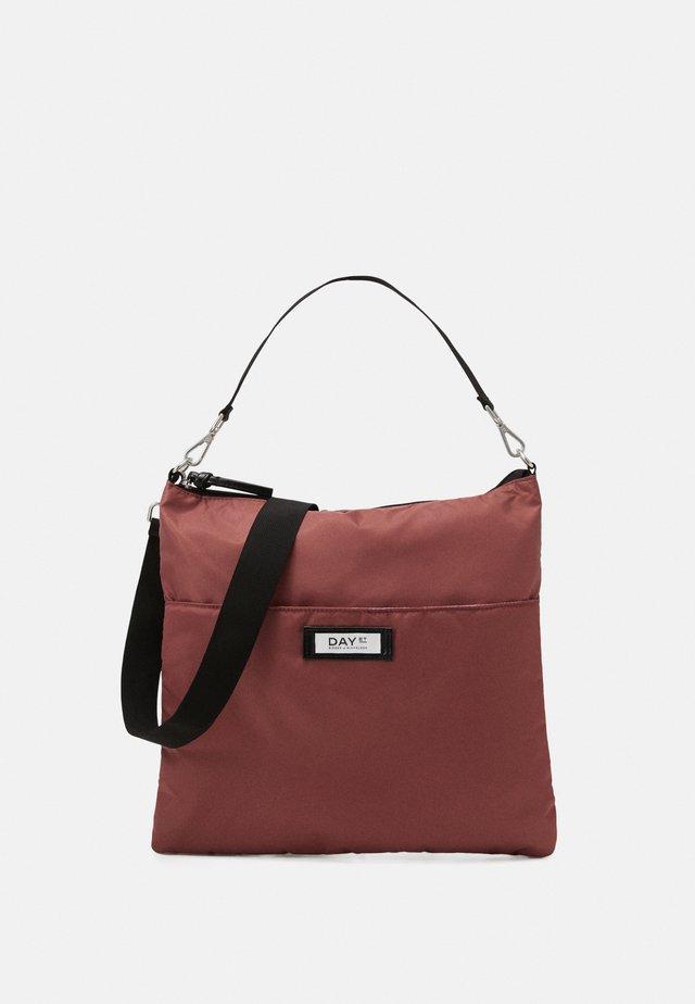 GWENETH PRACTIC - Handbag - riad rose