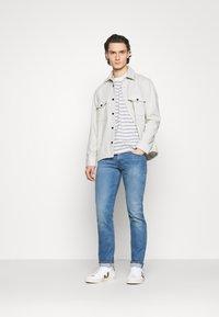 Levi's® Made & Crafted - LMC 502™ REGULAR TAPER - Straight leg jeans - lmc leward - 1