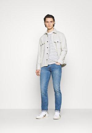 LMC 502™ REGULAR TAPER - Jeans straight leg - lmc leward