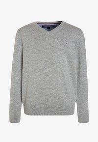 Tommy Hilfiger - BOYS BASIC - Pullover - grey heather - 0