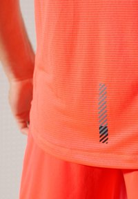Superdry - ACTIVE - Sports shirt - neon red - 3