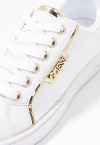 Guess - BANQ - Zapatillas - white - 2