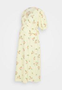 Glamorous Bloom - WRAP AROUND DRESSES WITH TIE DETAIL - Žerzejové šaty - yellow/pink rose - 0