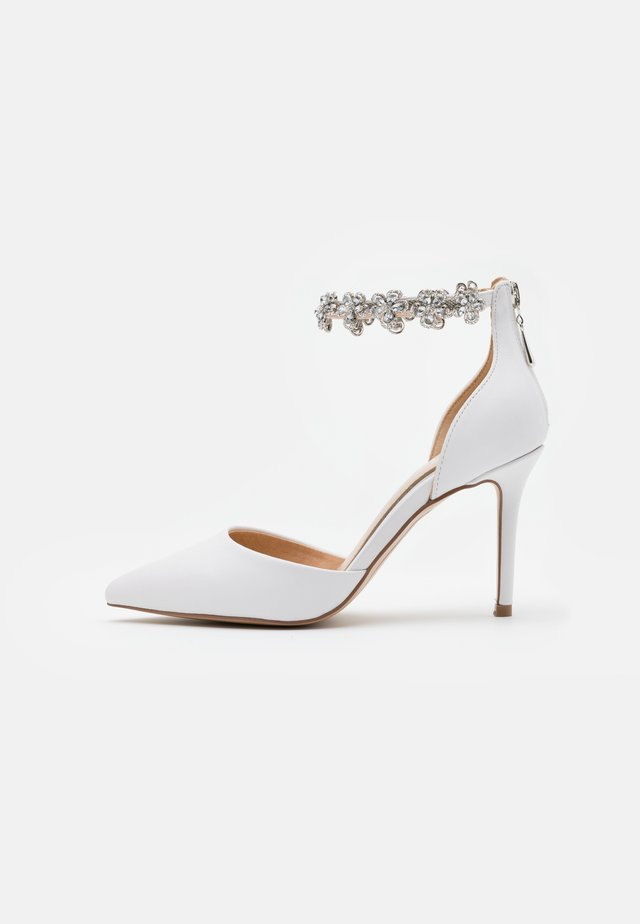 DELILAH - Klassiska pumps - white