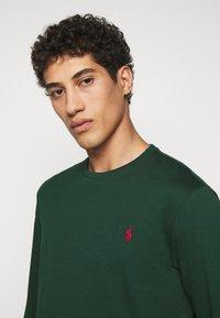Polo Ralph Lauren - Langærmede T-shirts - college green - 3