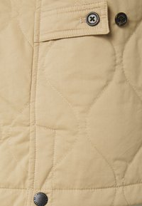 Scotch & Soda - CLASSIC QUILTED JACKET - Light jacket - sand - 2