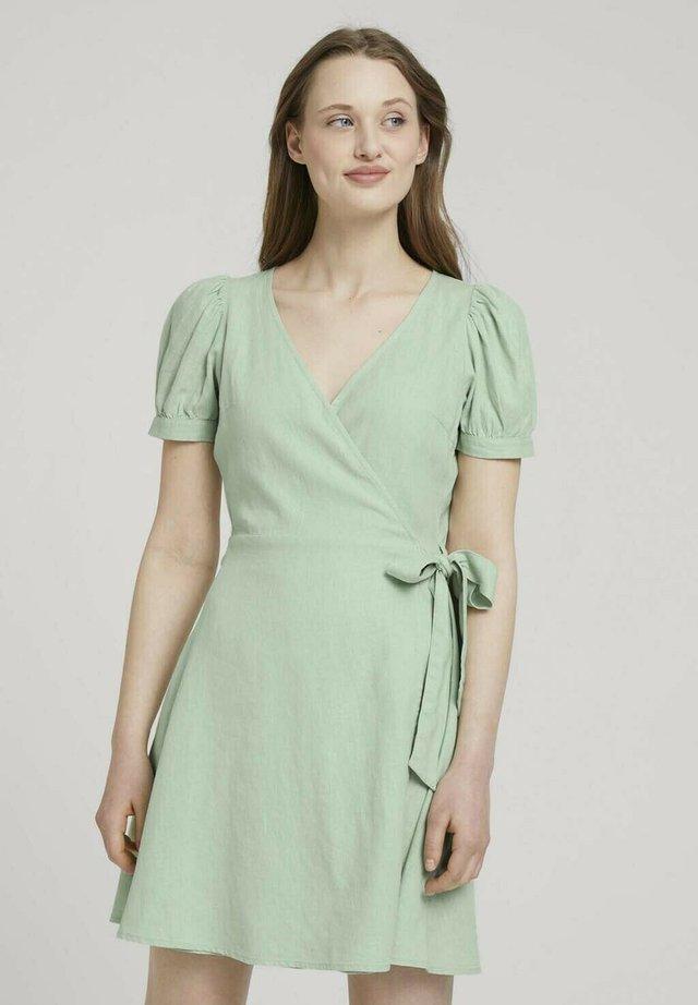 Korte jurk - light dusty green