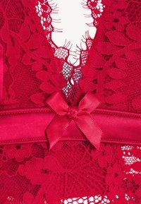 Hunkemöller - PERLA BRALETTE - Kaarituettomat rintaliivit - tango red - 6