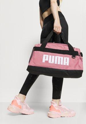 CHALLENGER DUFFEL BAG XS UNISEX - Sports bag - foxglove
