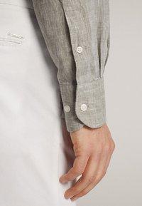 Massimo Dutti - Shirt - light grey - 5